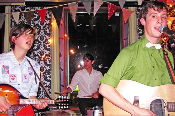 Fanfarlo - Sunday, December 12, 2009